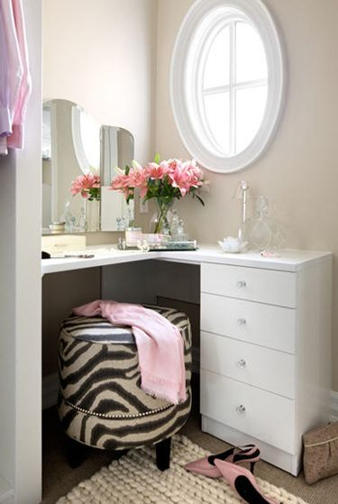 Beautiful vanity. Pinterest Laura Stein