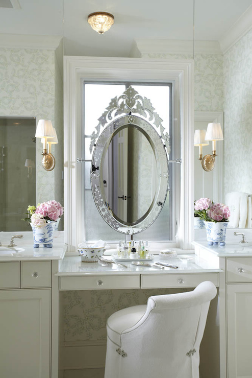 Decor pad Vanity Mirror