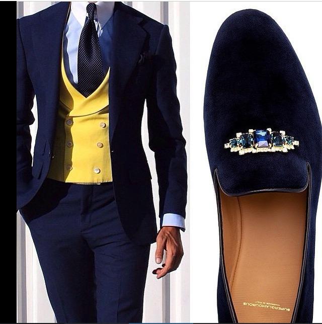 Men in suit 2