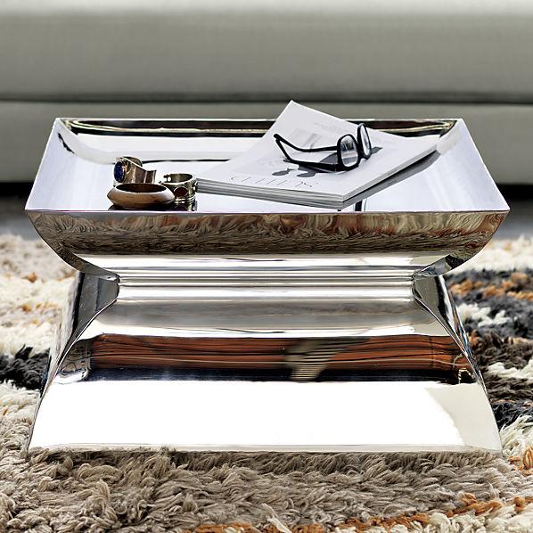 catru-pedestal-table