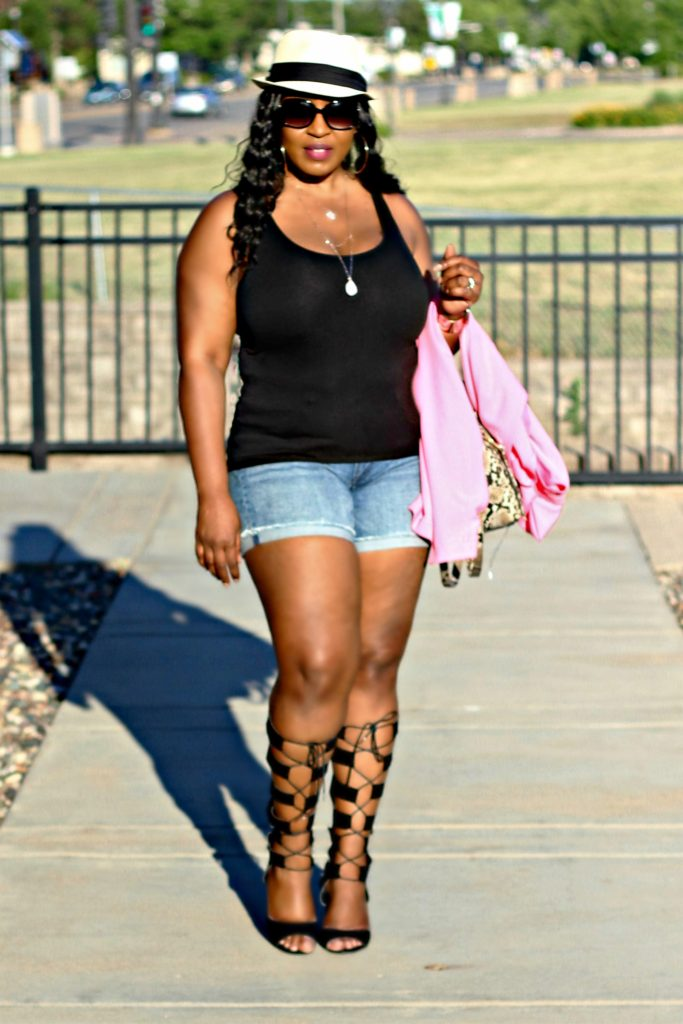 Awesome summer-outfit-shorts-and-gladiators 10