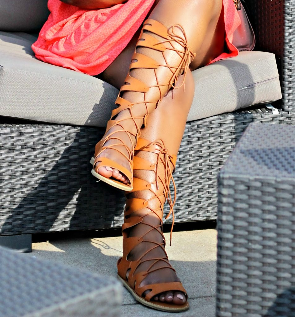 Off-Shouder-dress-and-lace-up-sandals. 4jpg