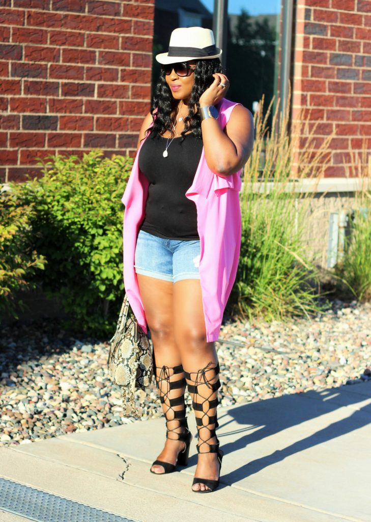 Shorts-pink-vest-and -lace -up-gladiators 267