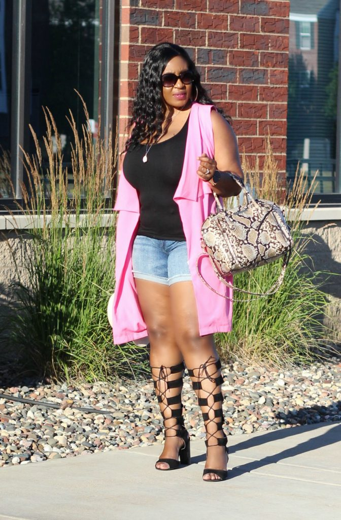 Shorts-vest-and -lace -up-gladiators 1