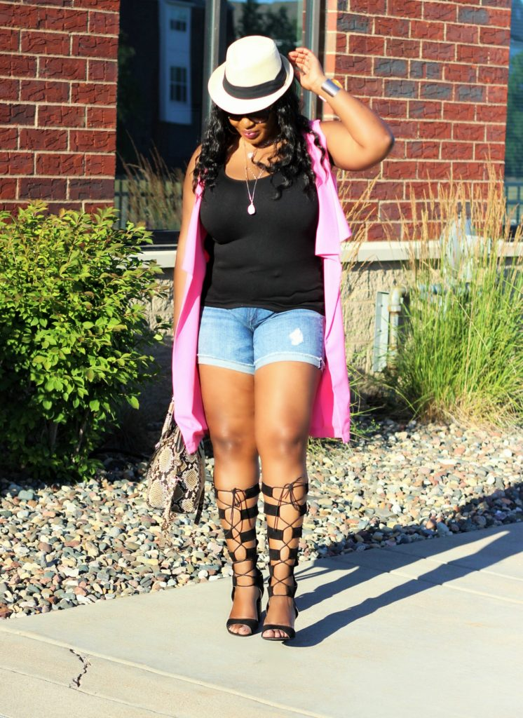 Shorts-vest-and -lace -up-gladiators 12