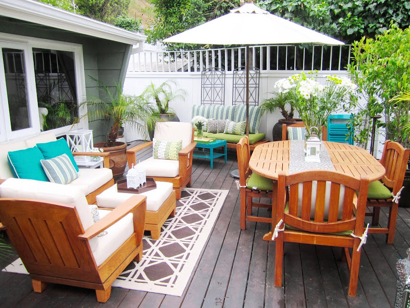 backyard-beauty-deck-makeover-galore-cococozy