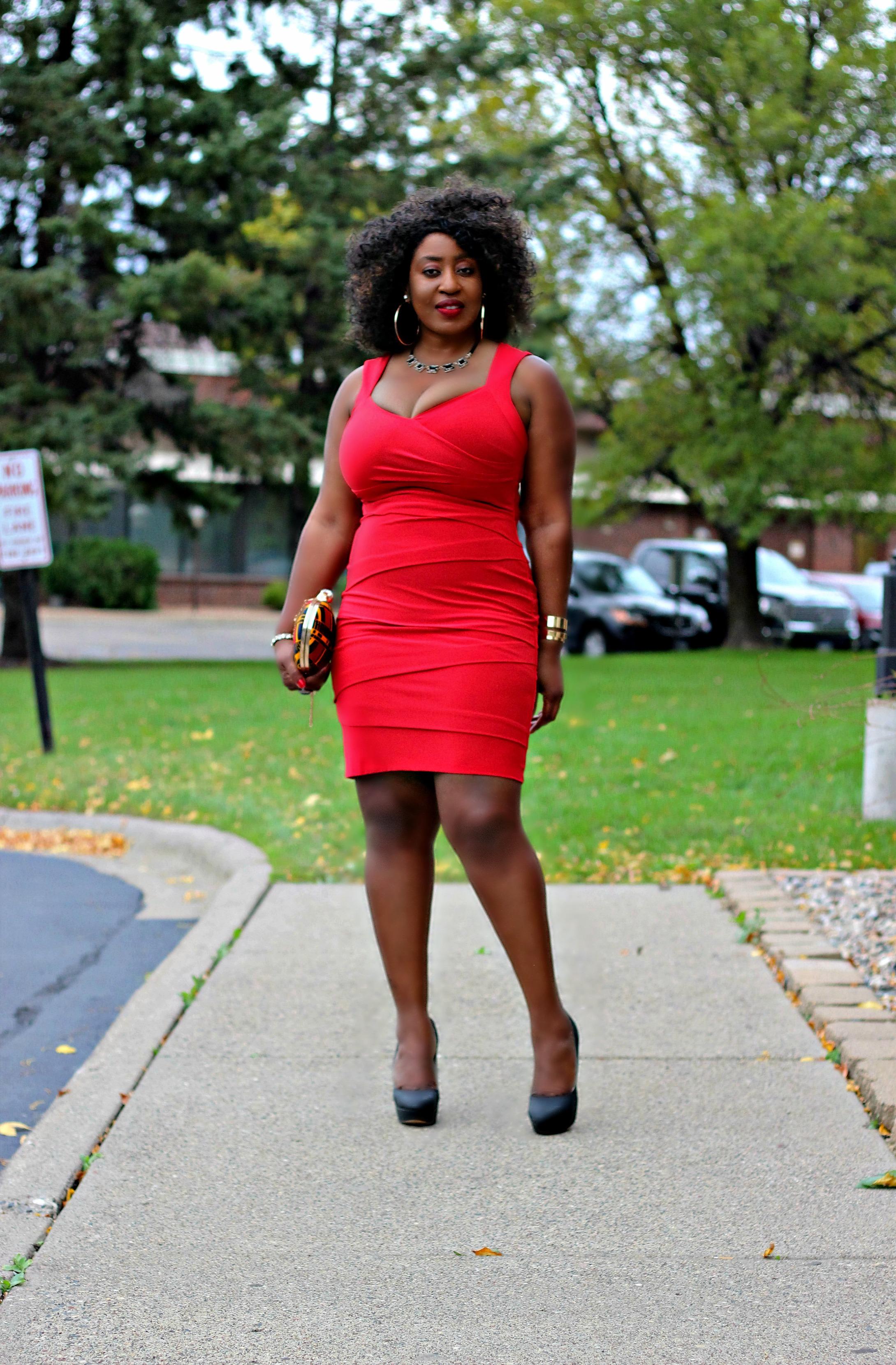 lady in red elegant little red dress hypnoz glam. Black Bedroom Furniture Sets. Home Design Ideas