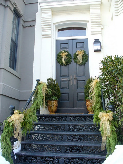 christmas-entry-porch_18
