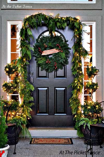 christmas-entry-porch_21