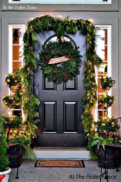 christmas-entry-porch_21