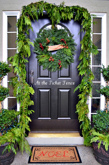 christmas-entry-porch_51