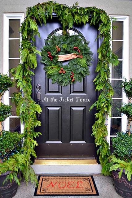christmas-entry-porch_51
