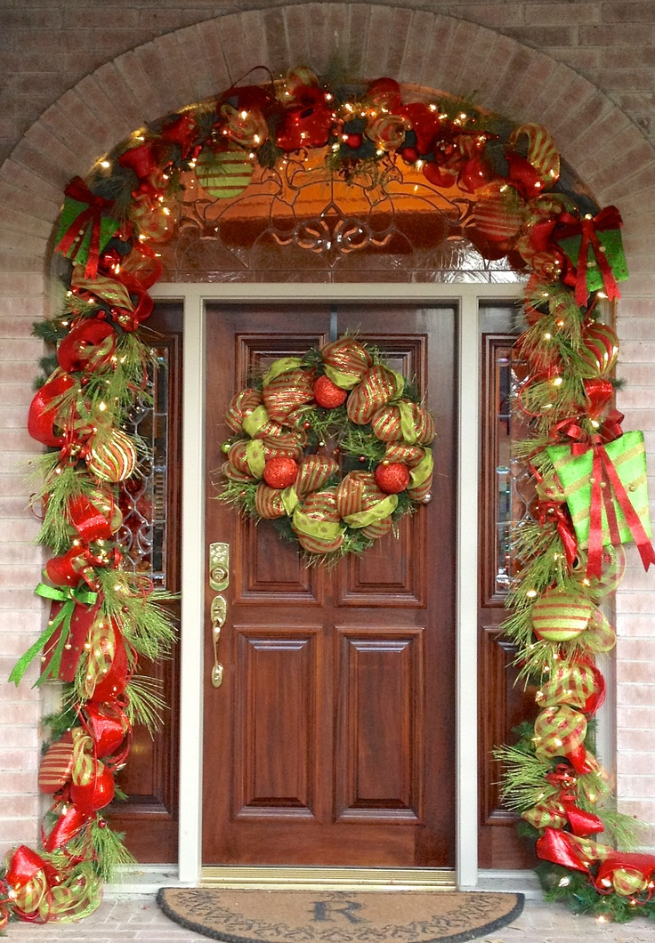 Amazing christmas holiday porch decor hypnoz glam for Amazing christmas decorations