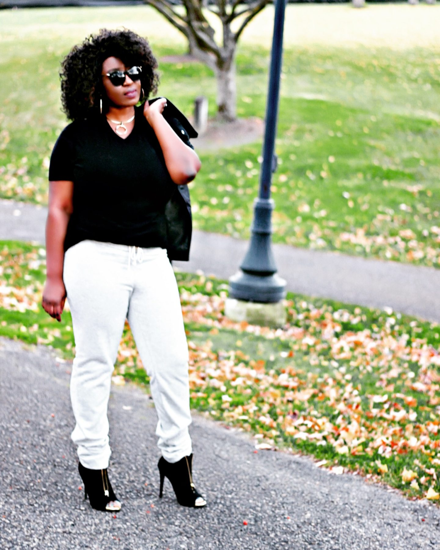 Sweat-pants-and-heels-casual