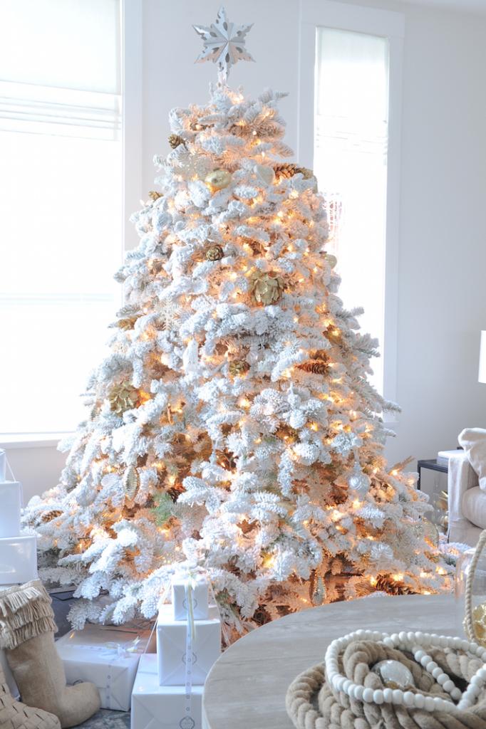 monika-hibbs-white-christmas-682x1024