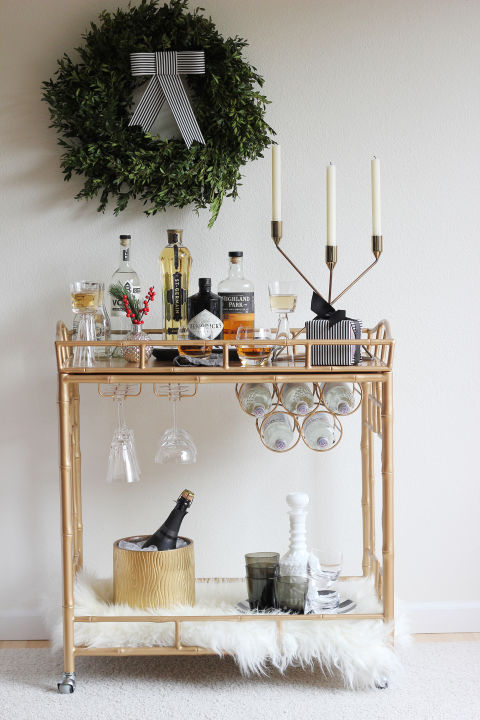 holiday-decorating-ideas-bar-cart