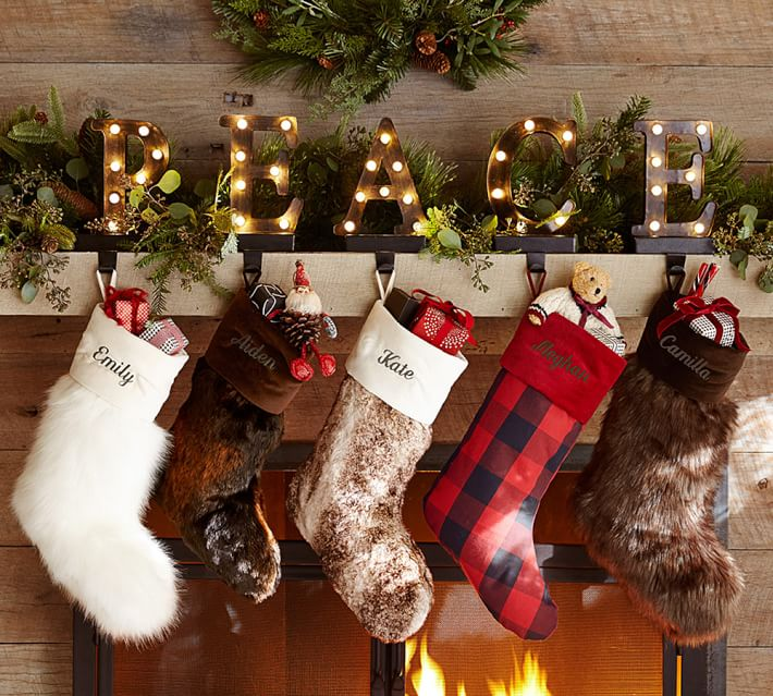 Hypnozglamcom-christmas-holiday-mantel-decors