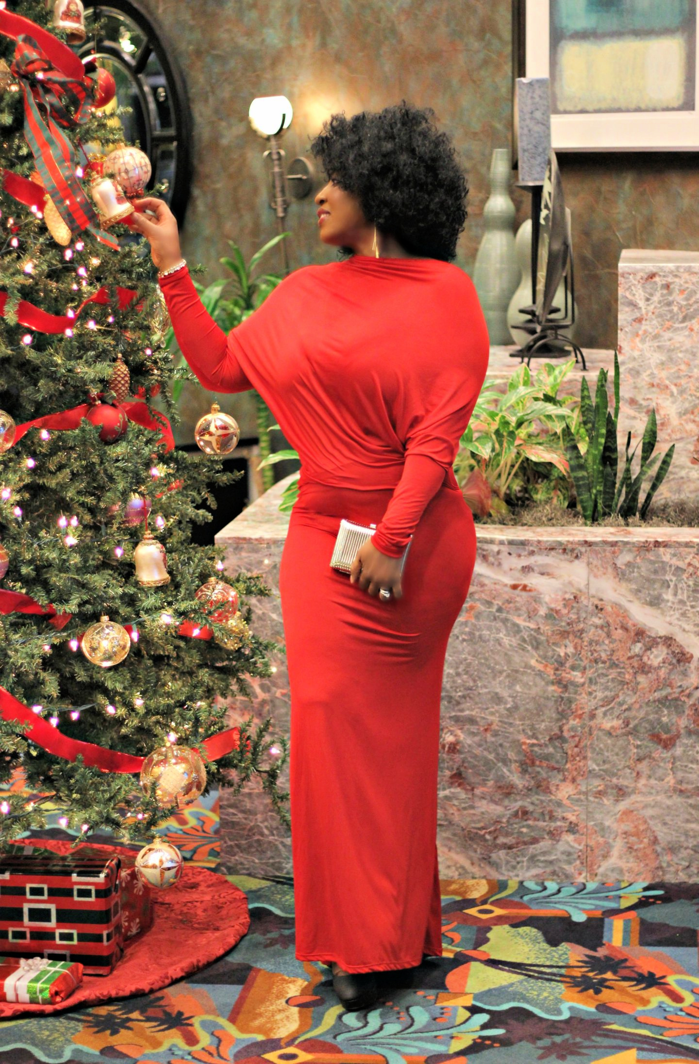Beautiful-red-holiday-dress