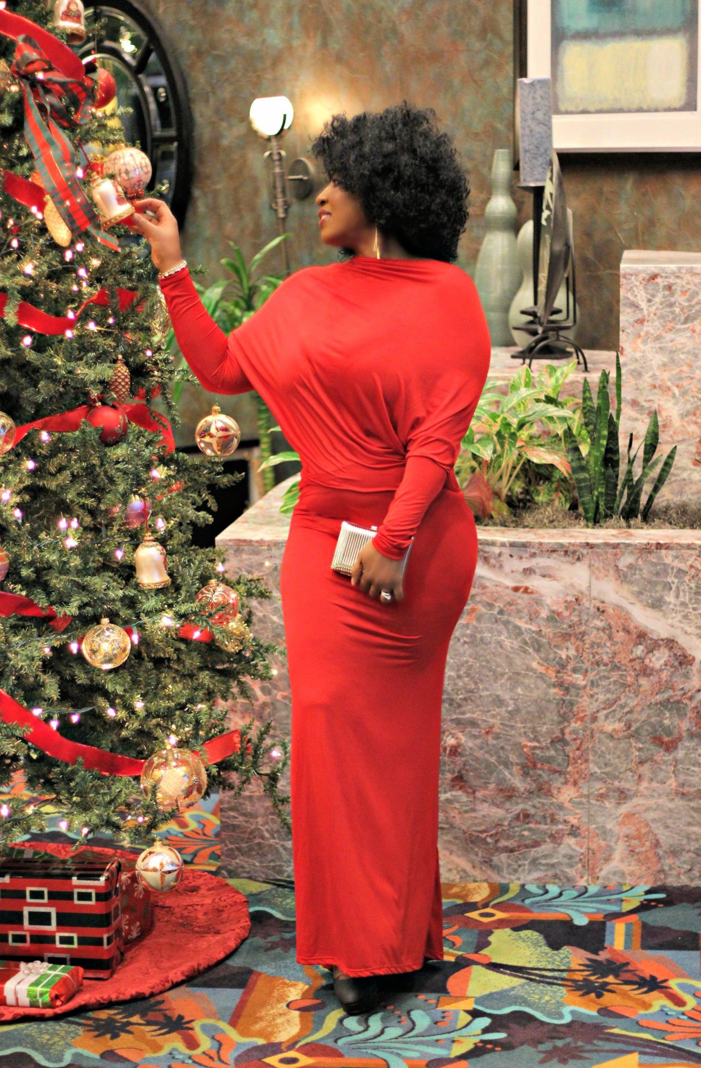 Beautiful-red-holiday-dress