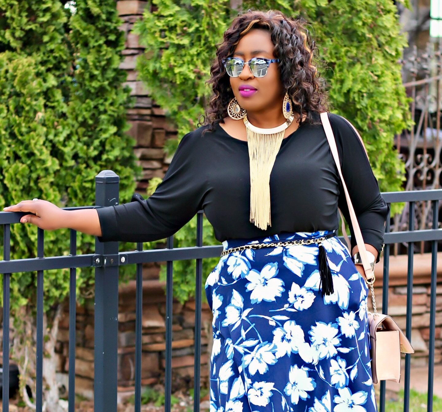 leffetglamour-statement-necklace-and-prints-skirt