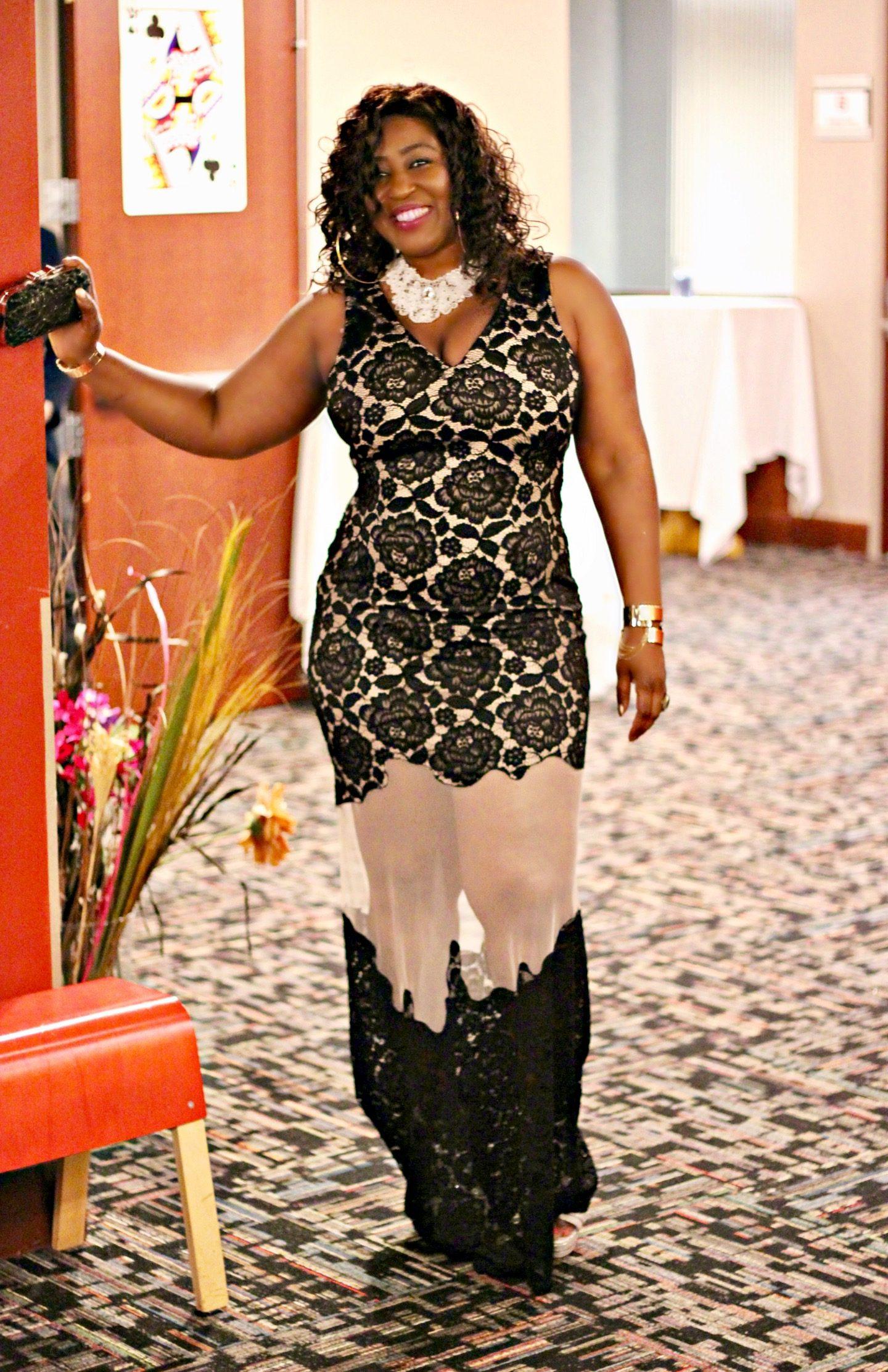 Maxi-lace-dress-formal