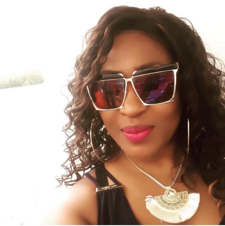 beautiful-black-woman-with-sunglasses