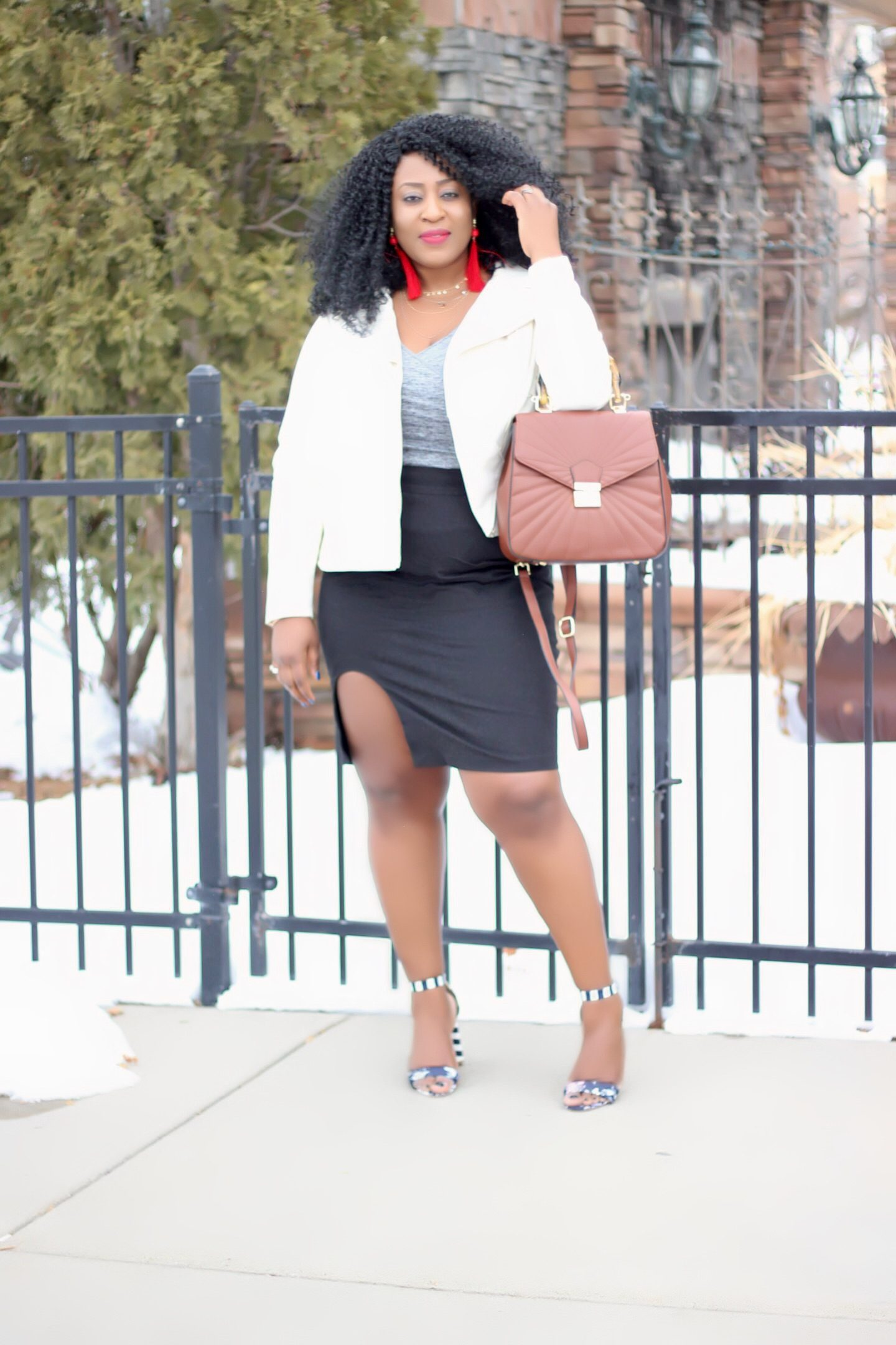 Beautiful-black-women-in-chic-outfit