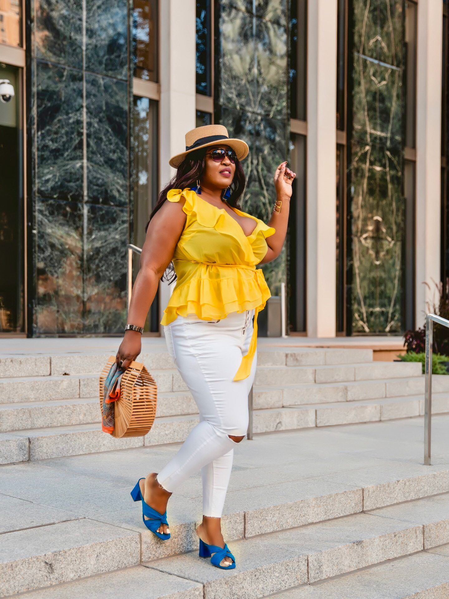 yellow-top-jeans-street-style