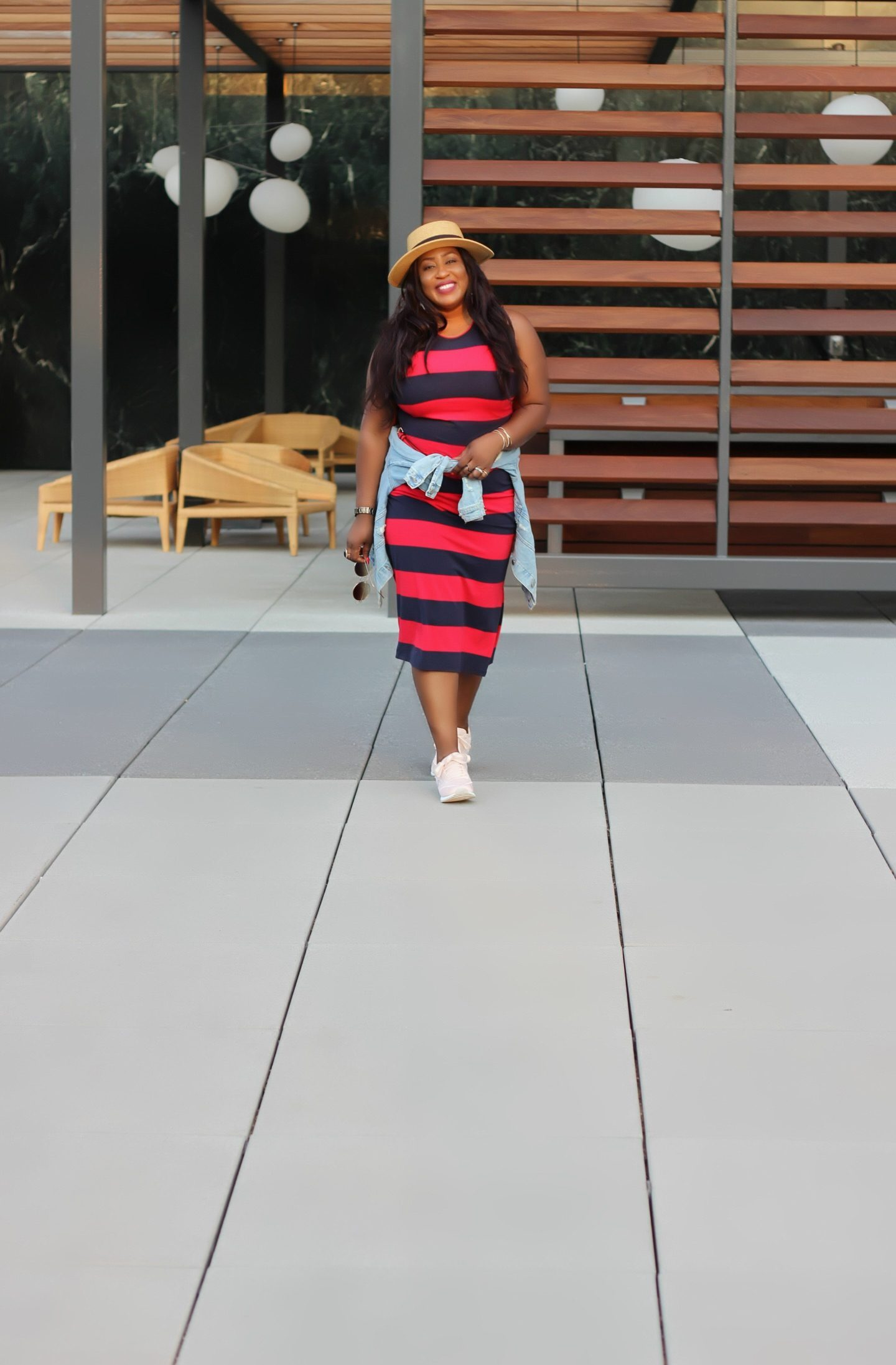 Beautiful-fashion-lifestyle-blogger