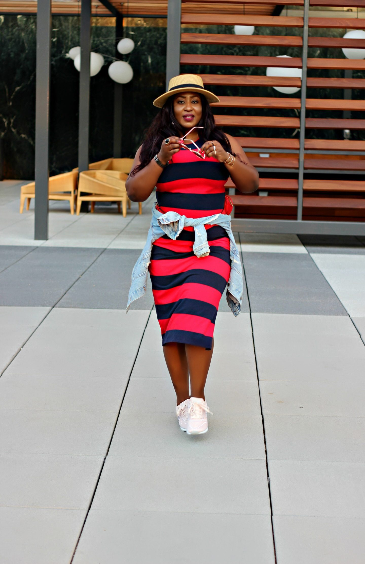 casual-chic-striped-dress