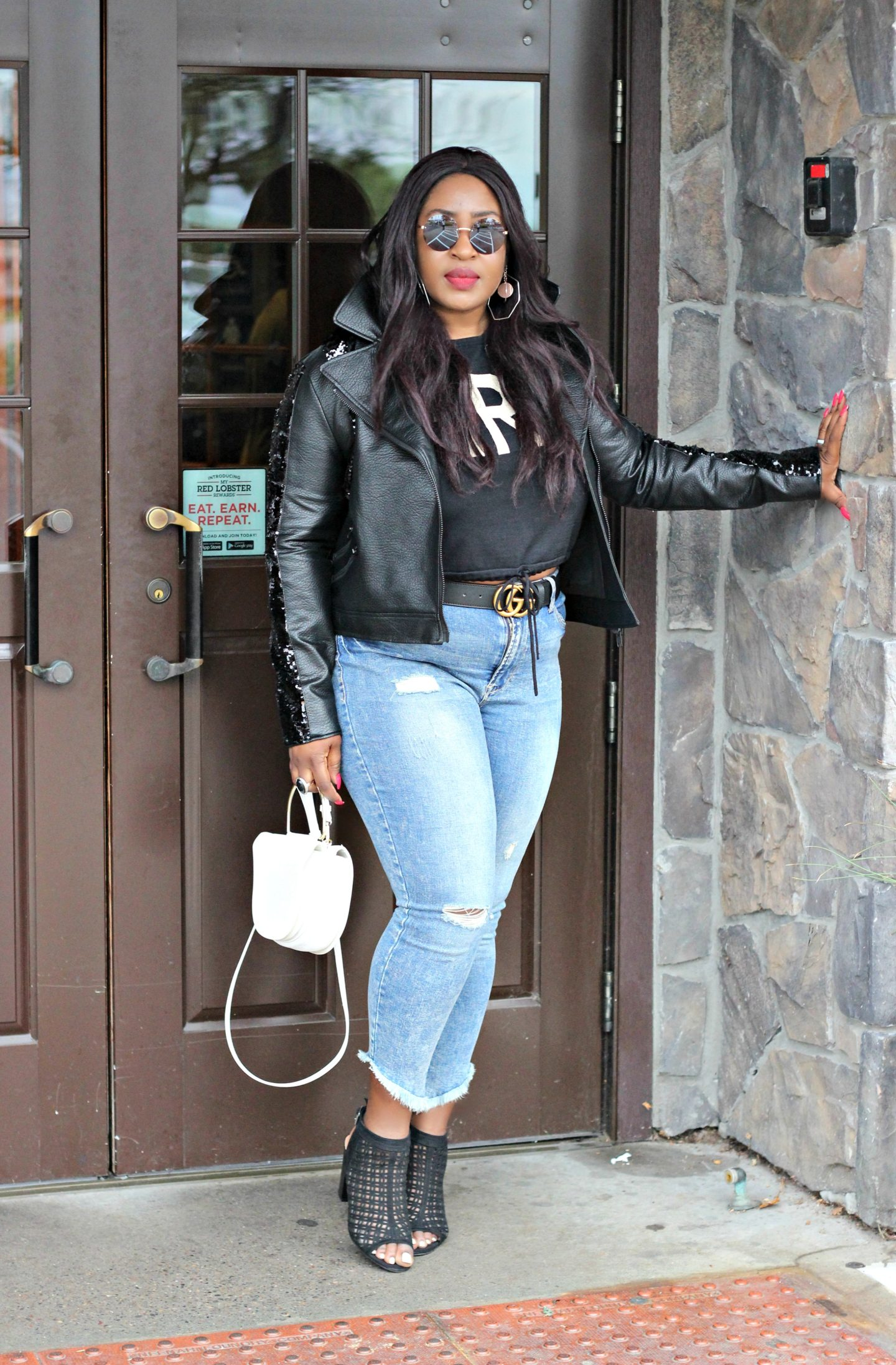 Beautiful-curvy-black-blogger