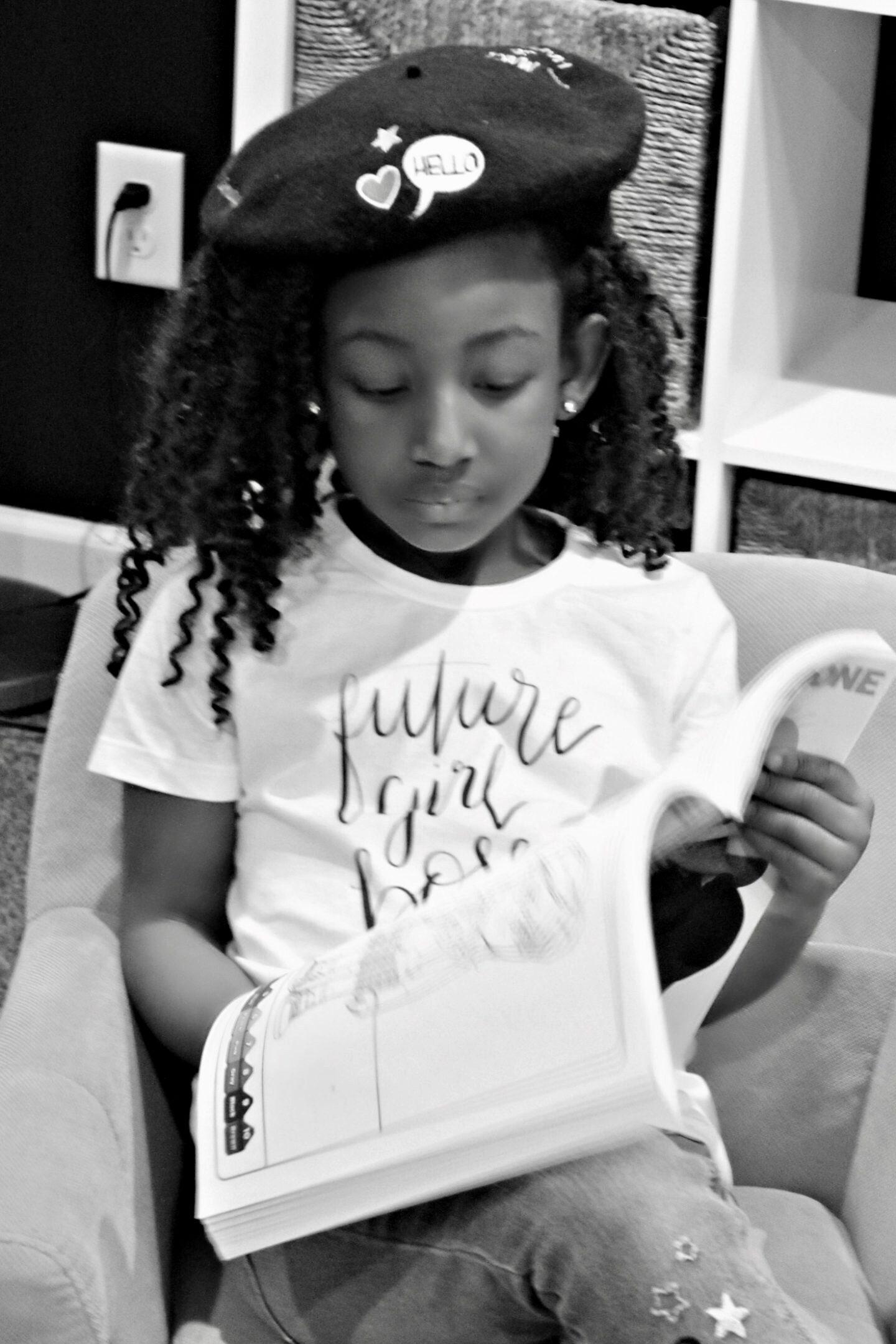 beautiful-black-mini-blogger