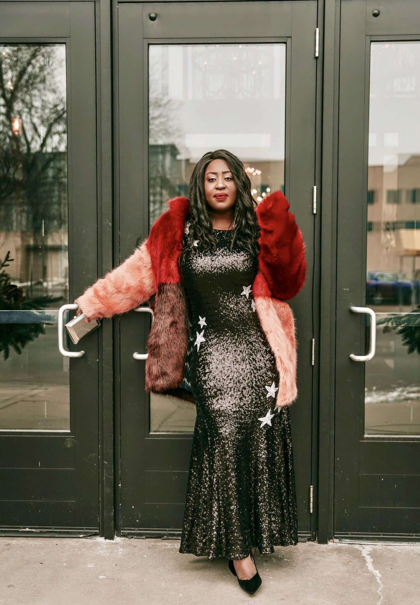 Black-beautiful-fashion-and-beauty-blogger