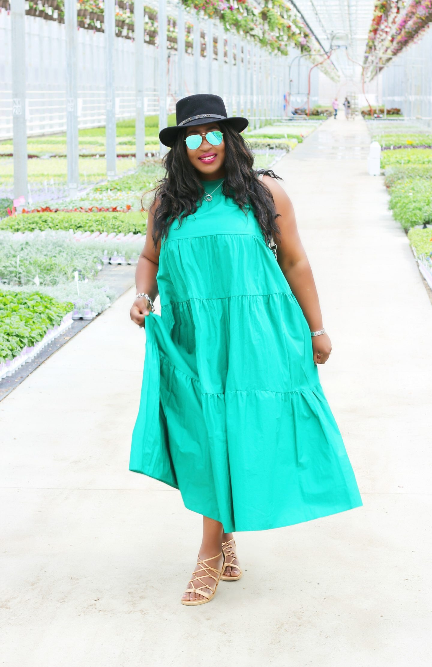 Beautiful-fashion-blogger-in-maxi-dress