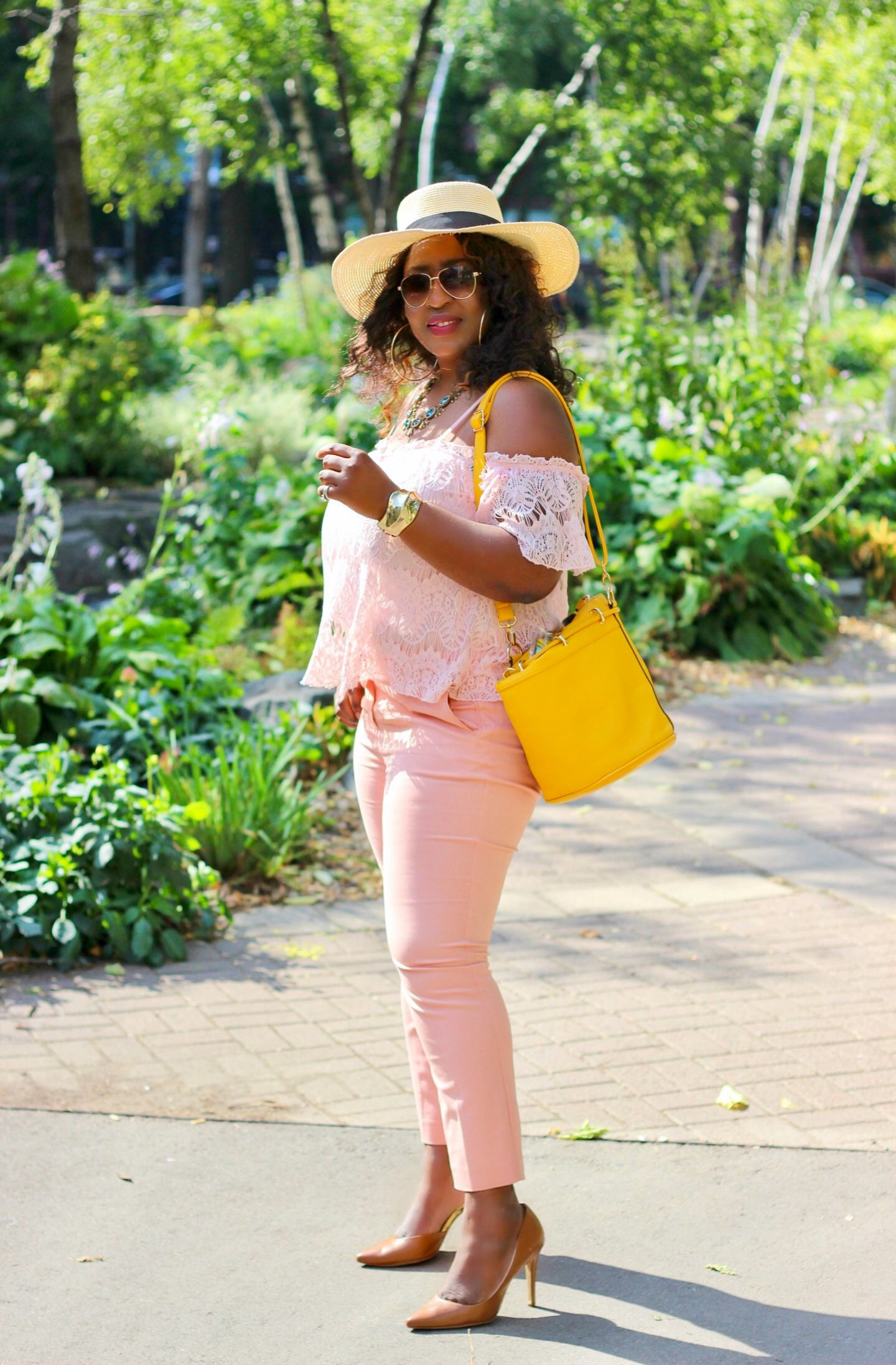 monochromatic-blush-outfit-yellow-bag