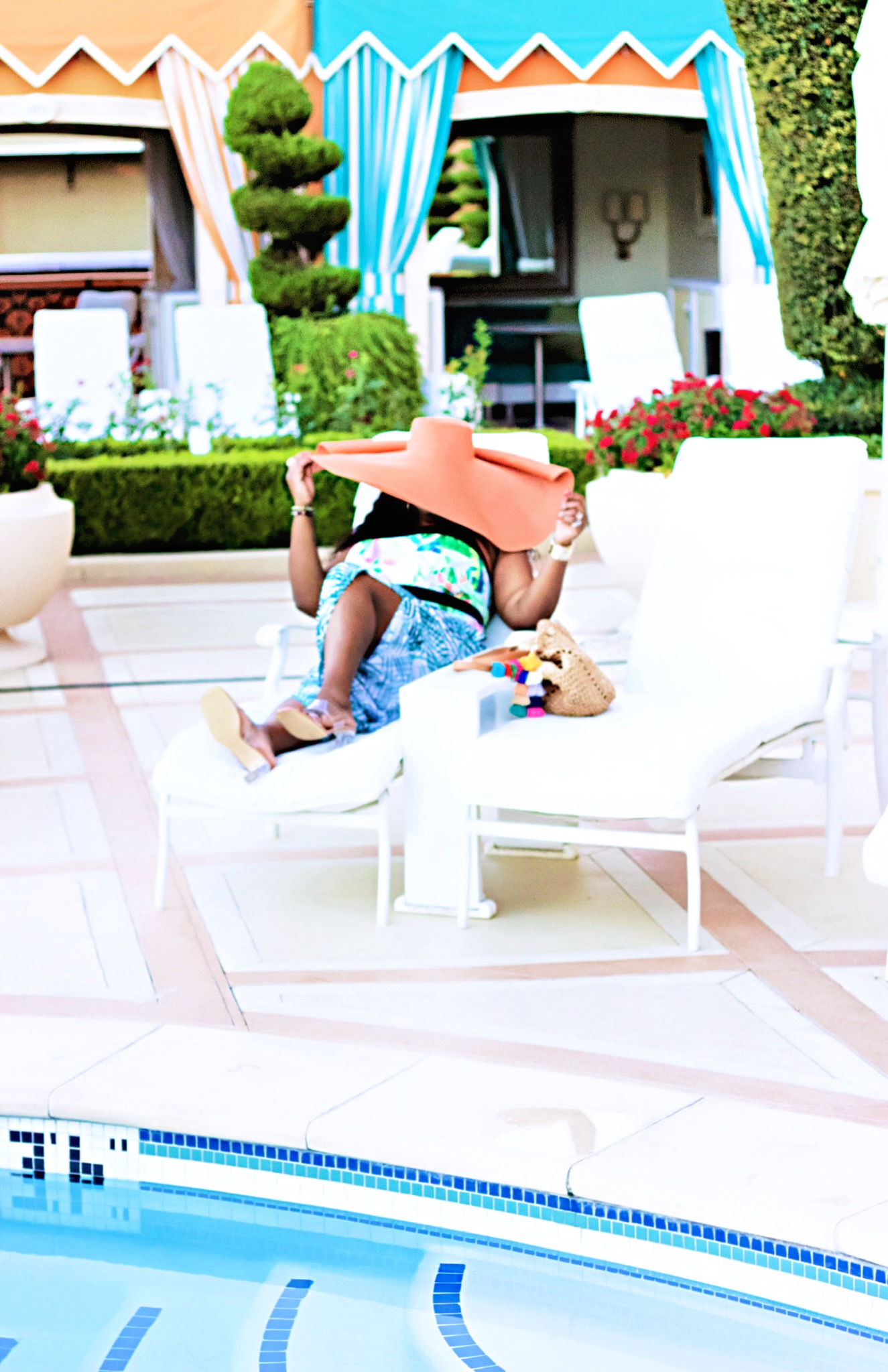 beautiful-fashion-lifestyle-las-vegas-pool-style