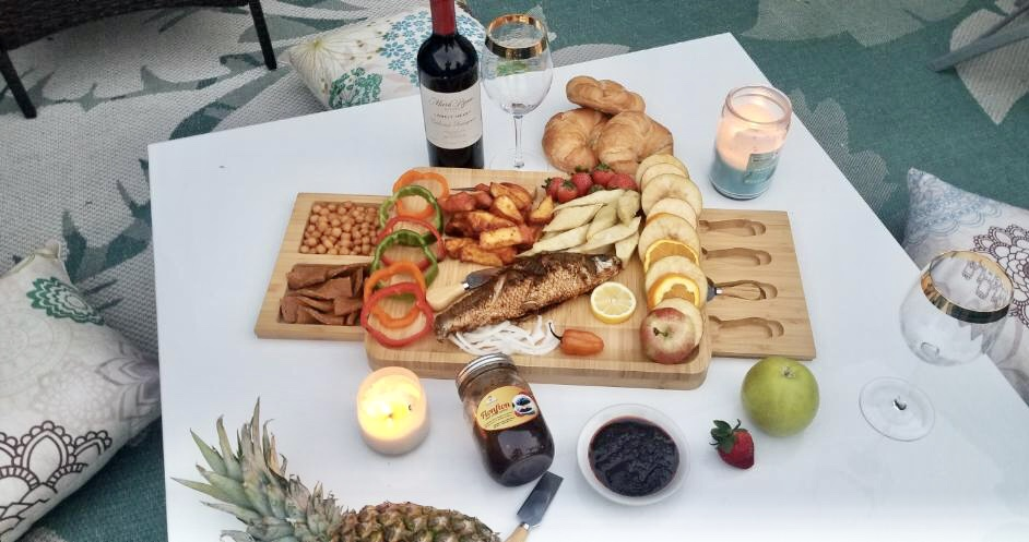 african-food-red-wine