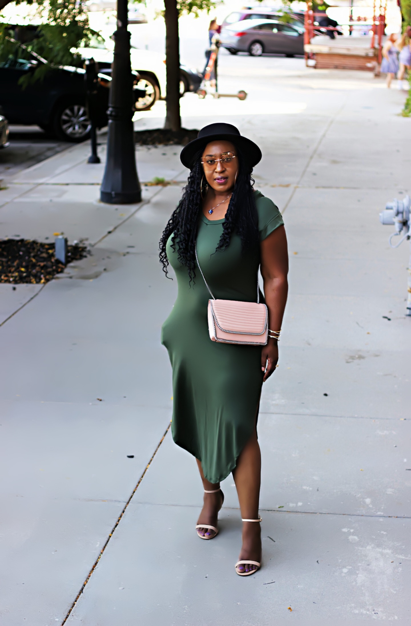 beautiful-midi-tee-dress-black-hat
