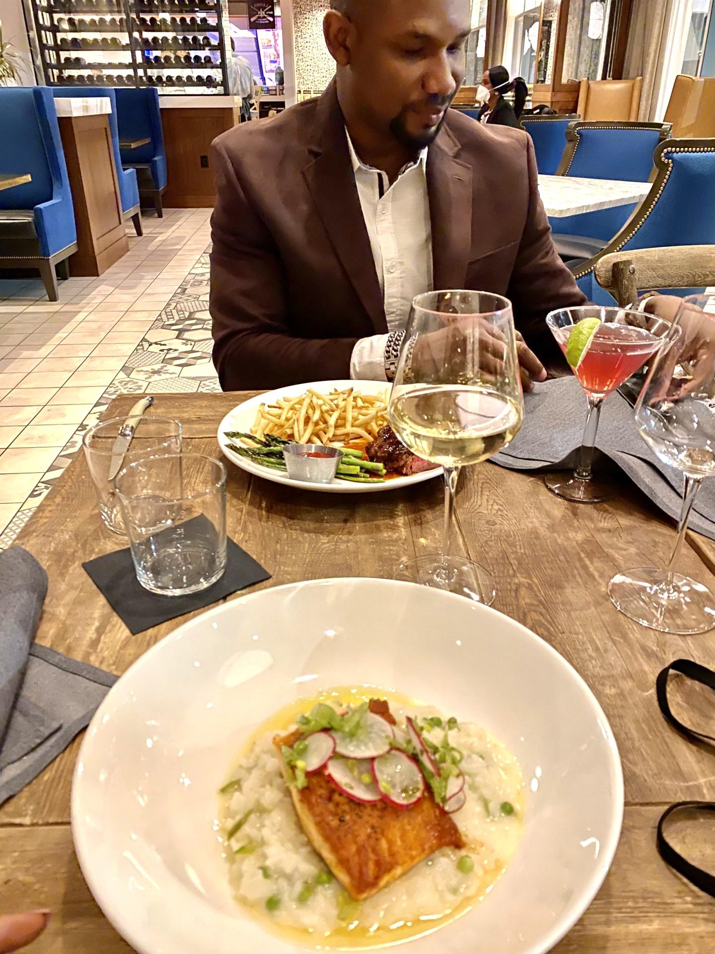 dinner-date-la-voya-restaurant