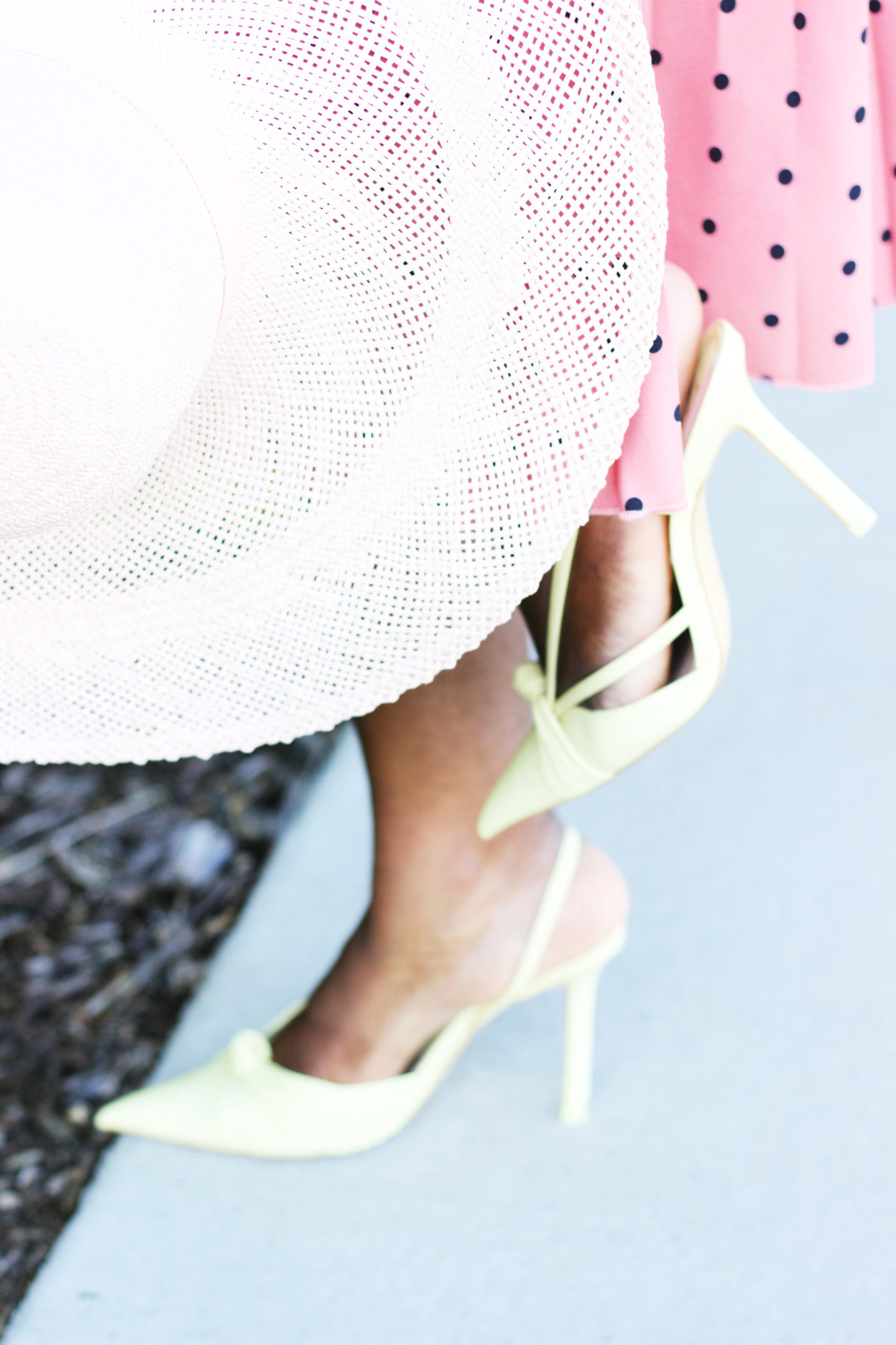floppy-hat-cute-heels-blogger-style