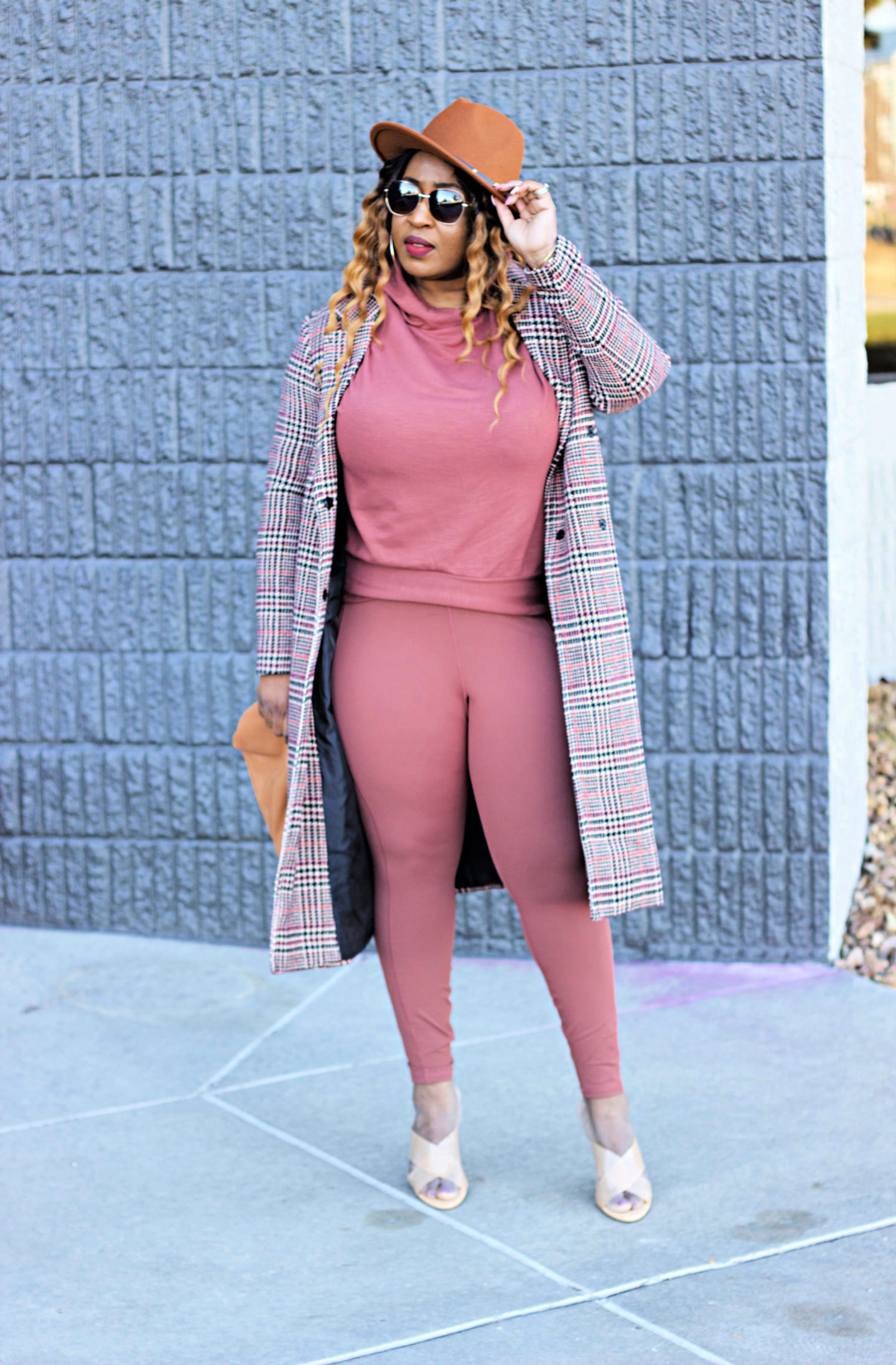 beautiful-mauve-pink-sweater-legging-plaid-coat-fabletics-hypnozglam